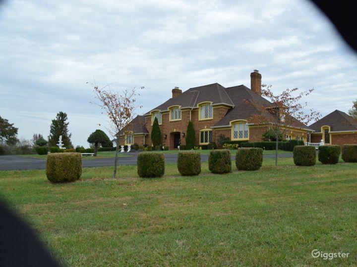 Beautiful 20-acre Private Estate in Virginia  Photo 2