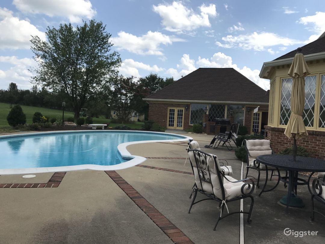 Beautiful 20-acre Private Estate in Virginia  Photo 1