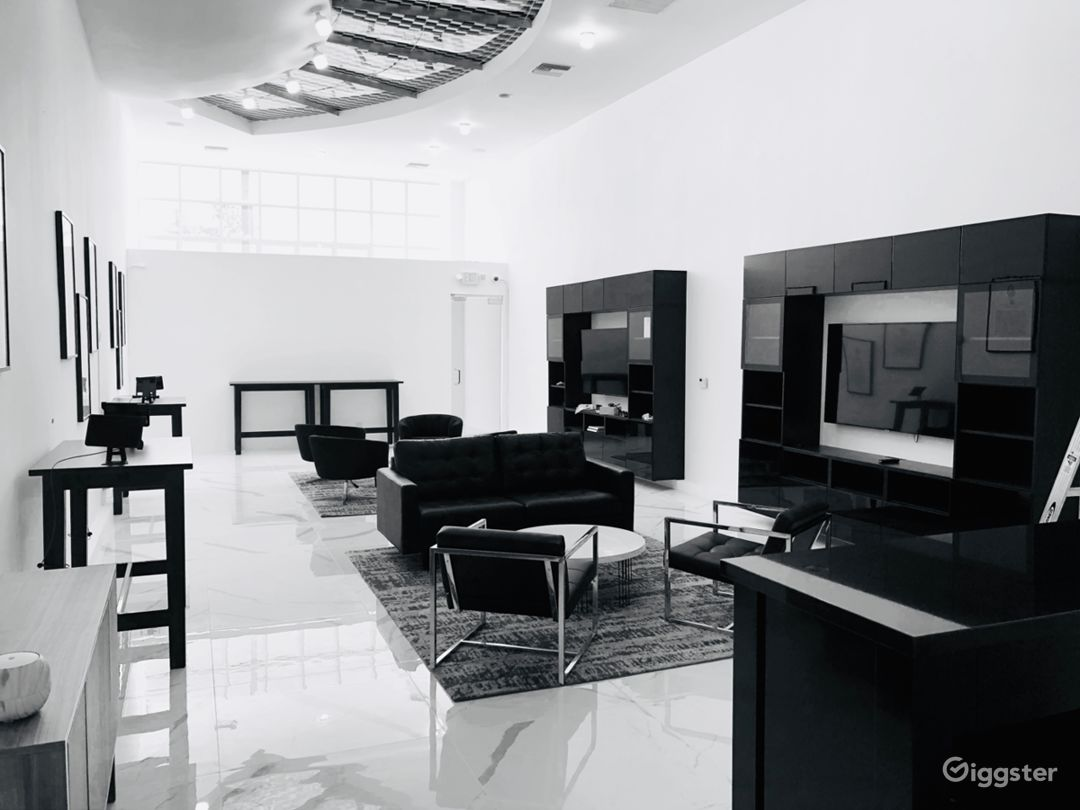 Upscale Modern Lounge Space on Melrose Photo 2