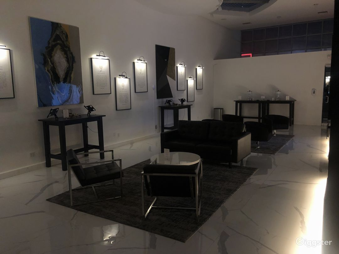 Upscale Modern Lounge Space on Melrose Photo 3