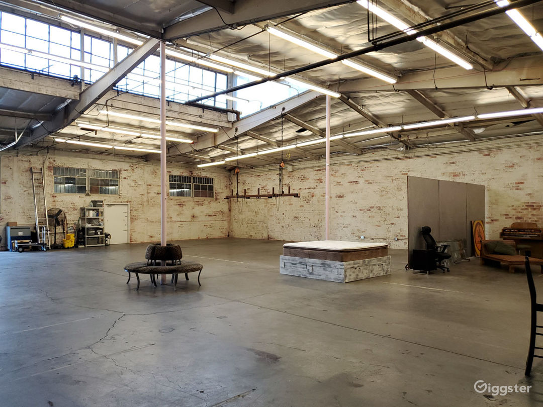 Industrial Warehouse Loft w/Natural Light Photo 1