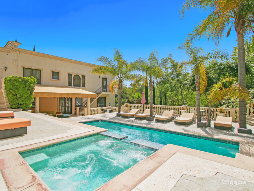 5,000 sqft Oasis in the Heart of Hollywood hills Photo 1