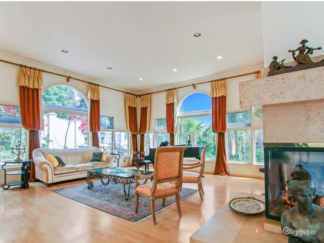5,000 sqft Oasis in the Heart of Hollywood hills Photo 3