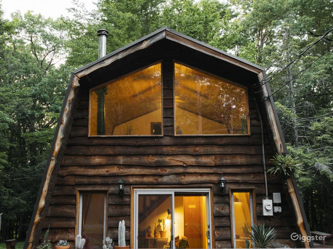 Cabin near a lake: Location 5243 Photo 1