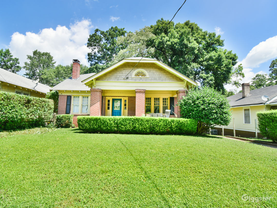 Charming Renovated 1930s Bungalow  Photo 2
