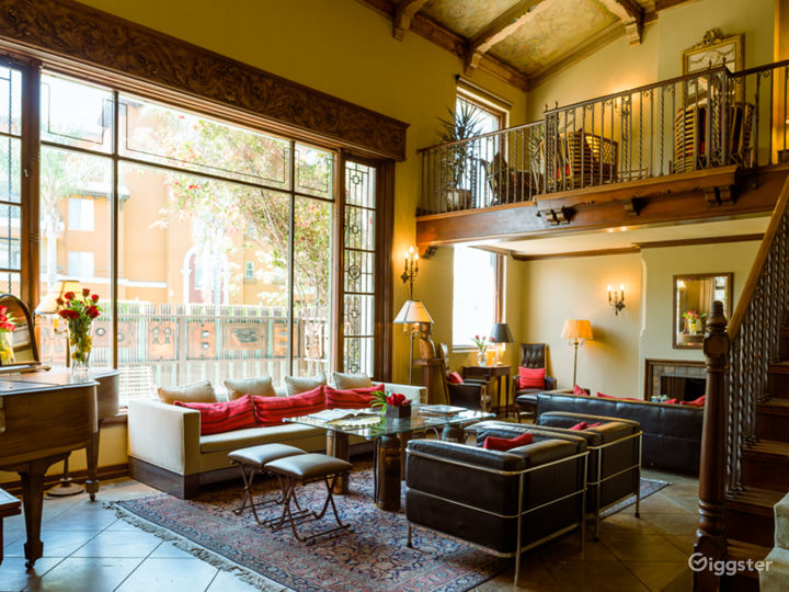 Alluring 1920's Hollywood Prop House with variety