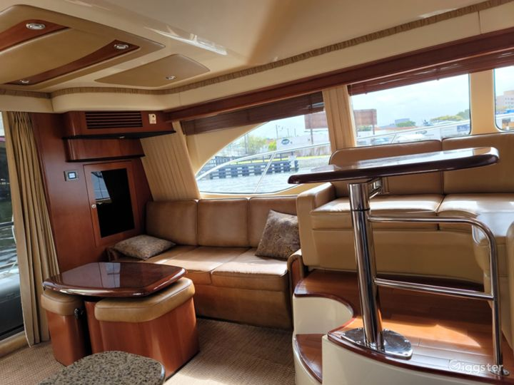Exceptional 45FT SEA RAY FLYBRIDGE Party Yacht Space Events Photo 2
