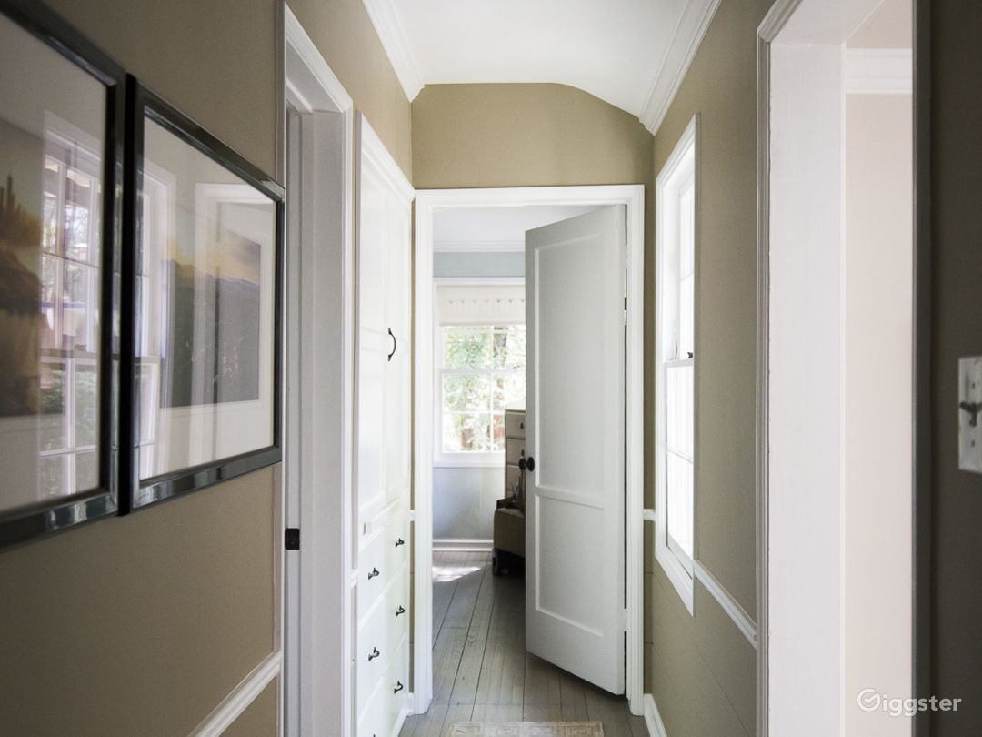 hallway between Master and guest room