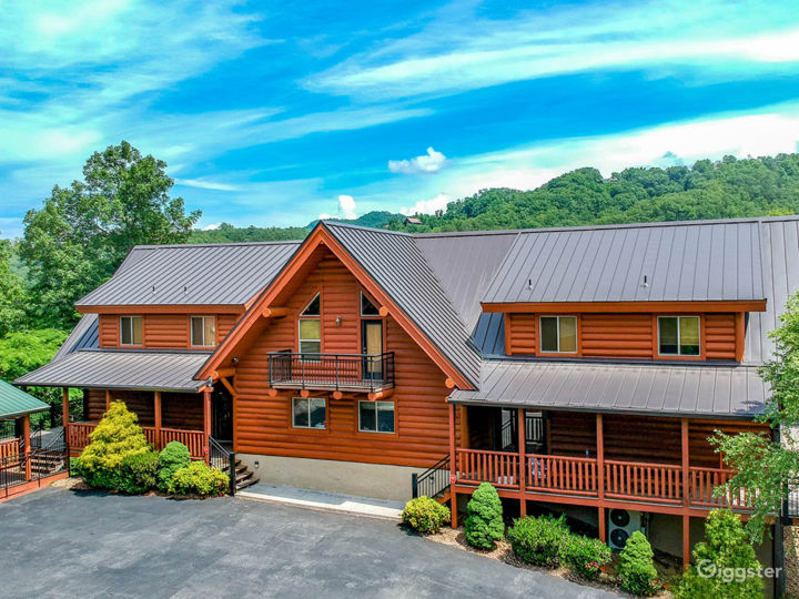 Amazing and Luxury Venue in Sevierville Photo 3