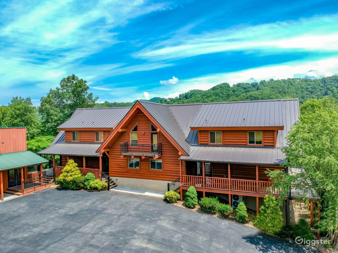 Amazing and Luxury Venue in Sevierville Photo 1
