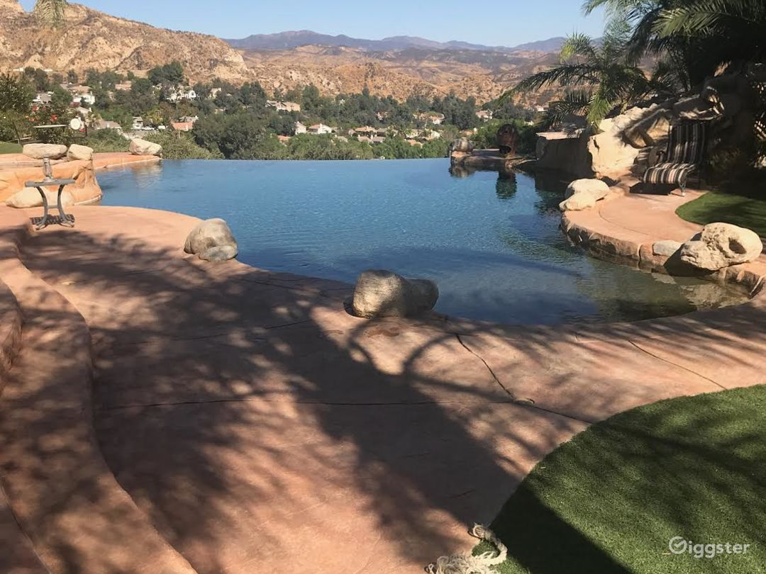 Castaic Entertainers Home  Photo 2