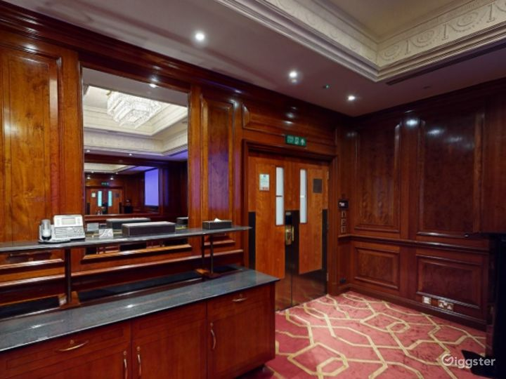 Awesome Private Room 35 in London, Heathrow Photo 2