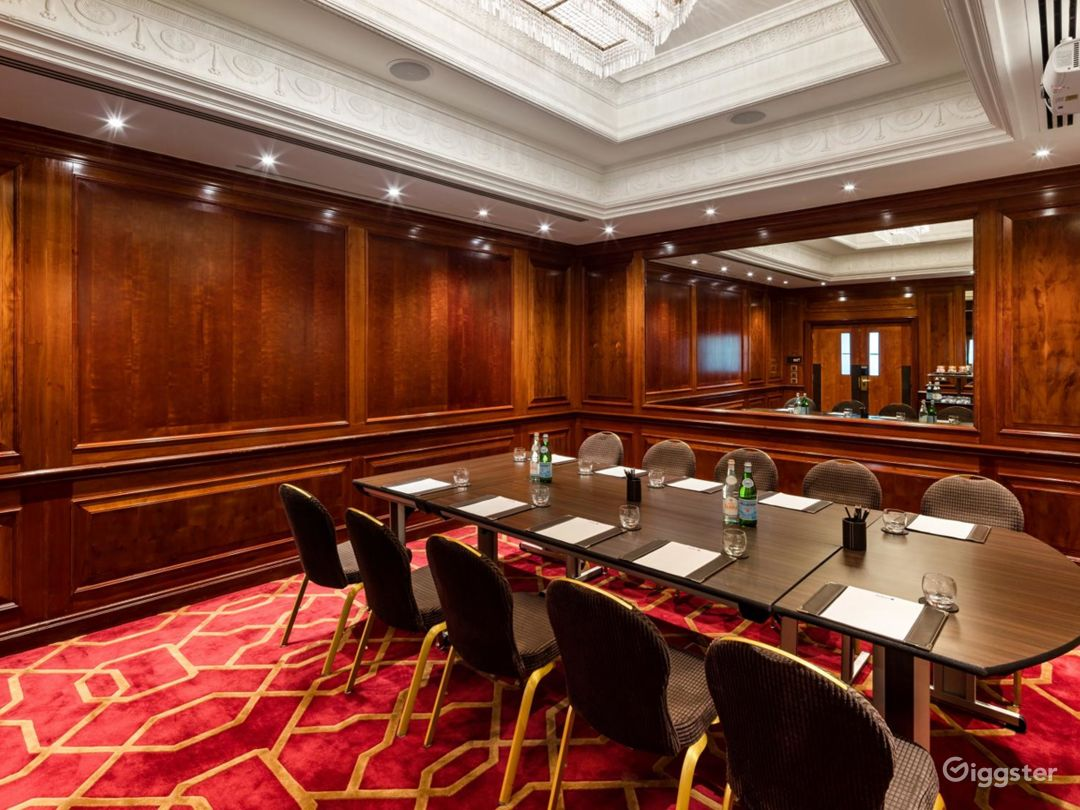 Awesome Private Room 35 in London, Heathrow Photo 1