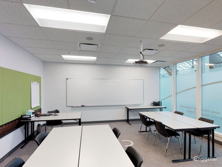 Comfortable & Well-equipped Classroom in Portland Photo 3