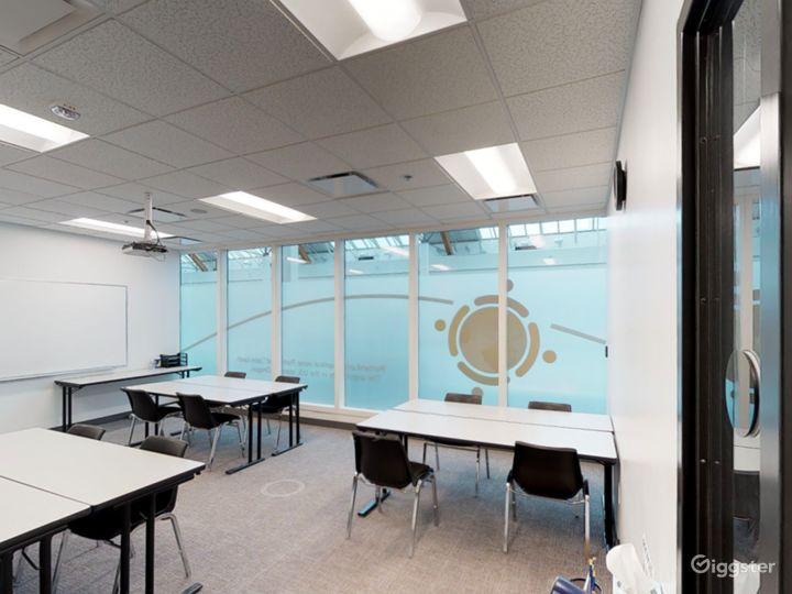 Comfortable & Well-equipped Classroom in Portland Photo 2