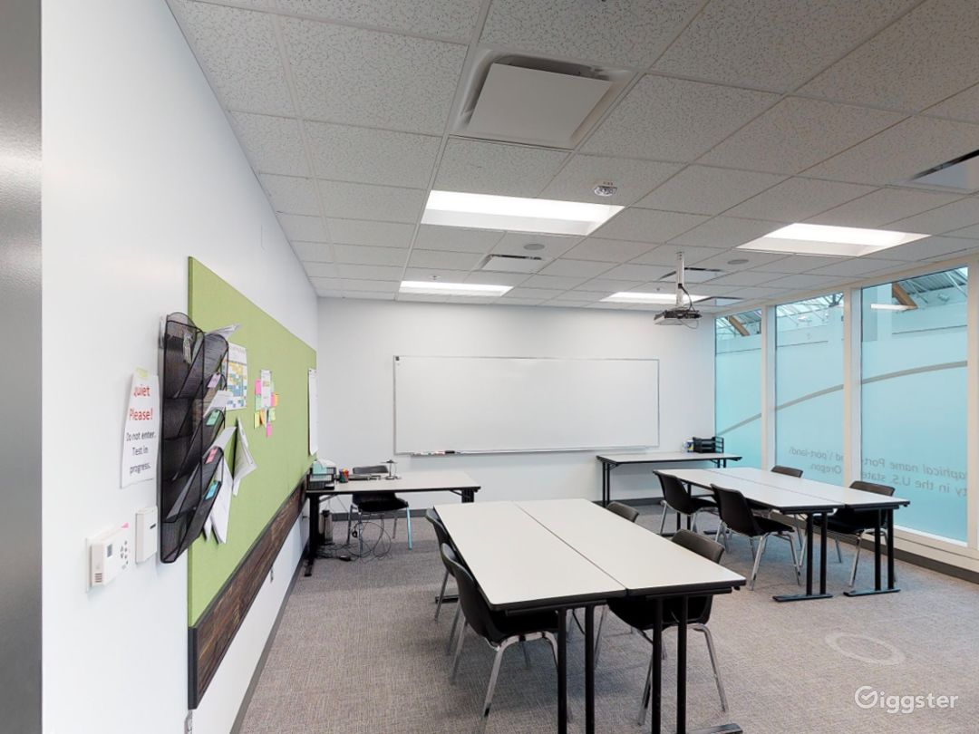 Comfortable & Well-equipped Classroom in Portland Photo 1
