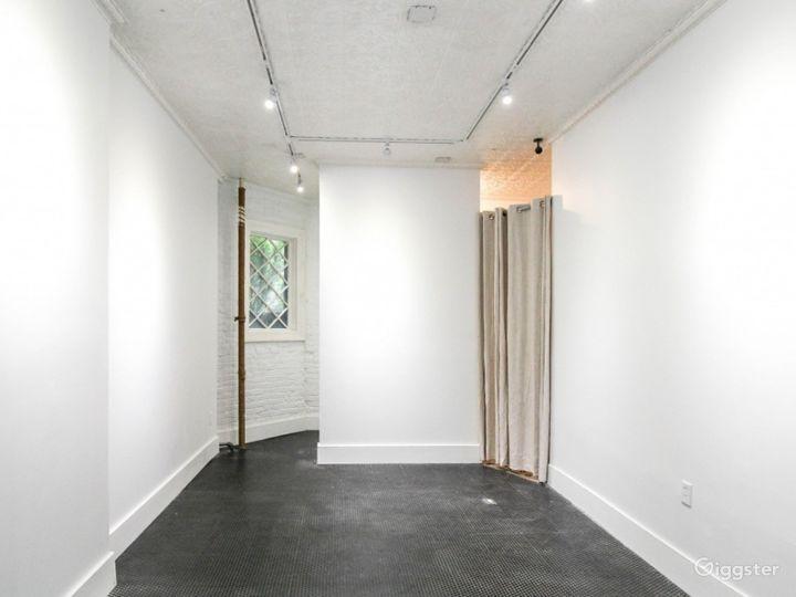 The Petite White Box Space Photo 2