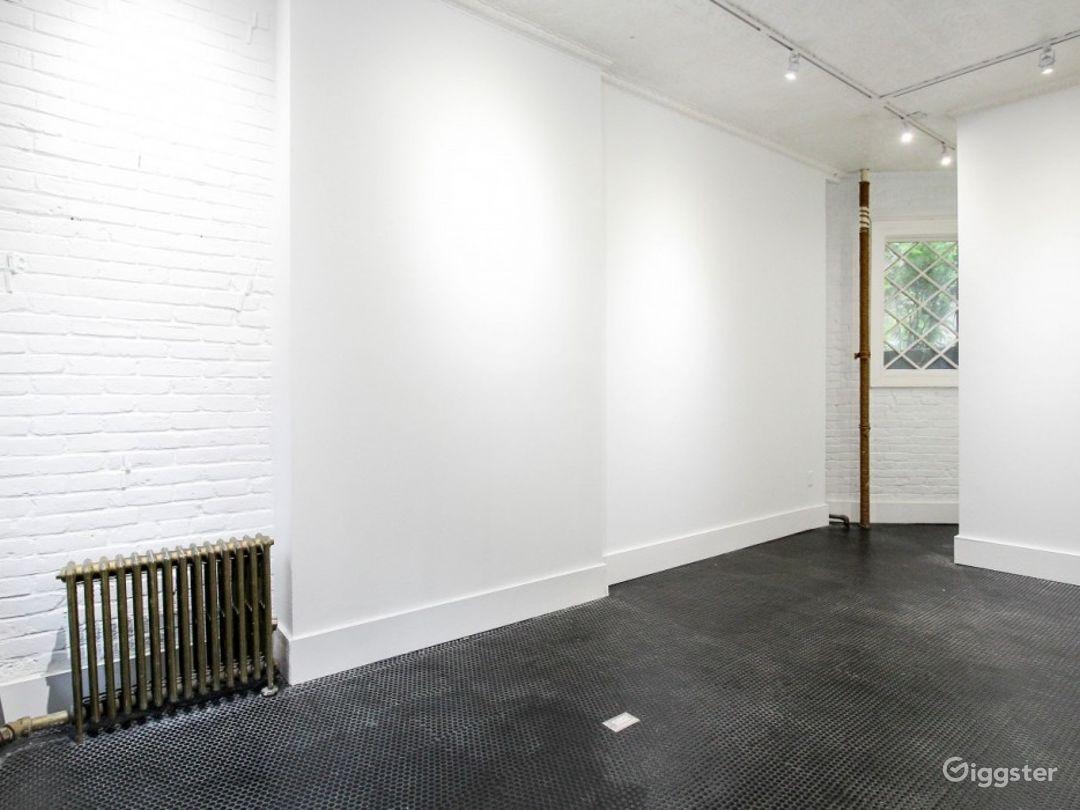 The Petite White Box Space Photo 1