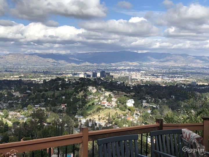 Unobstructed Panoramic City & Valley Views