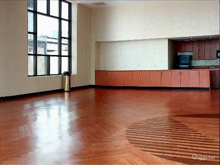 Large light, open event space: Location 4211 Photo 2