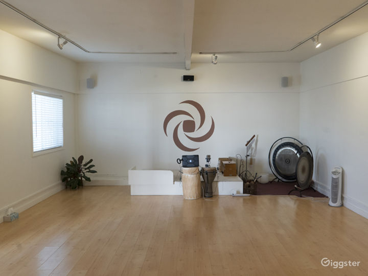 Neat and Cozy Yoga Studio Photo 3