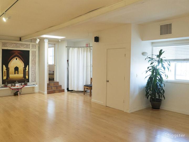 Neat and Cozy Yoga Studio Photo 2