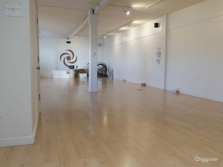 Neat and Cozy Yoga Studio Photo 4