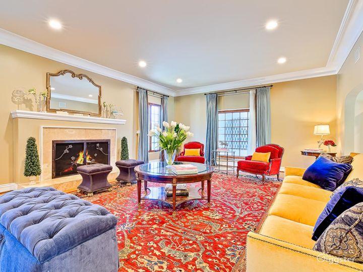 Beverly Hills luxury Mansion