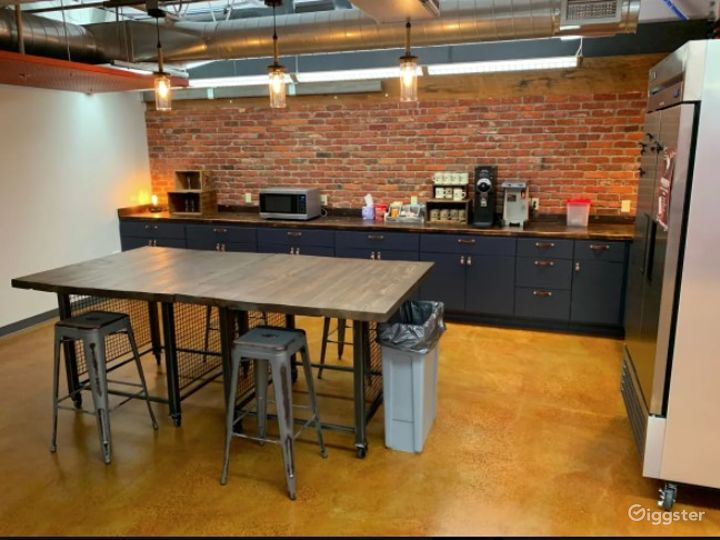 Large Industrial Barn Theme Open Co working space- Full Access Photo 2
