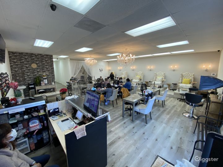 Beautiful Nail Salon In The Valley  Photo 5