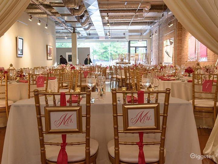 Stunning Lincoln Park Event Space Photo 4
