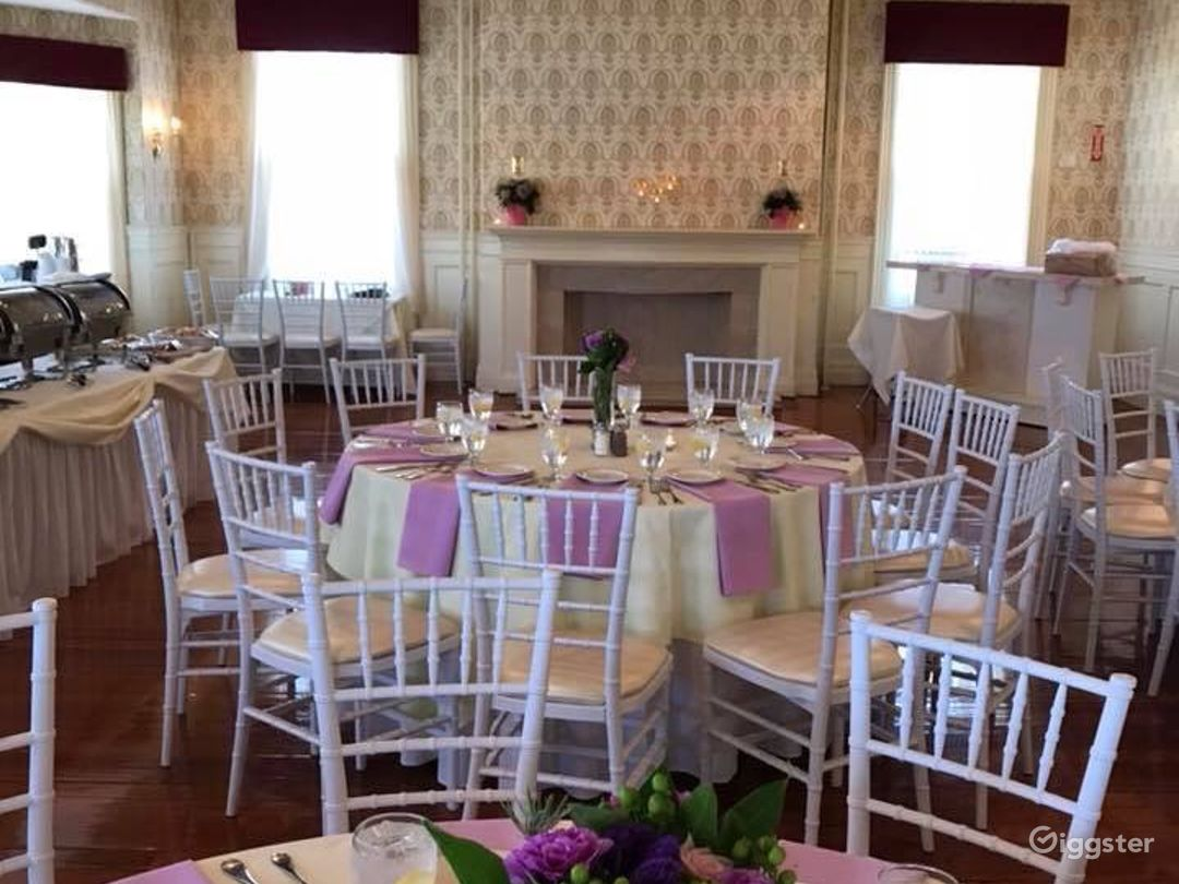 Grand Wedding Room Photo 1