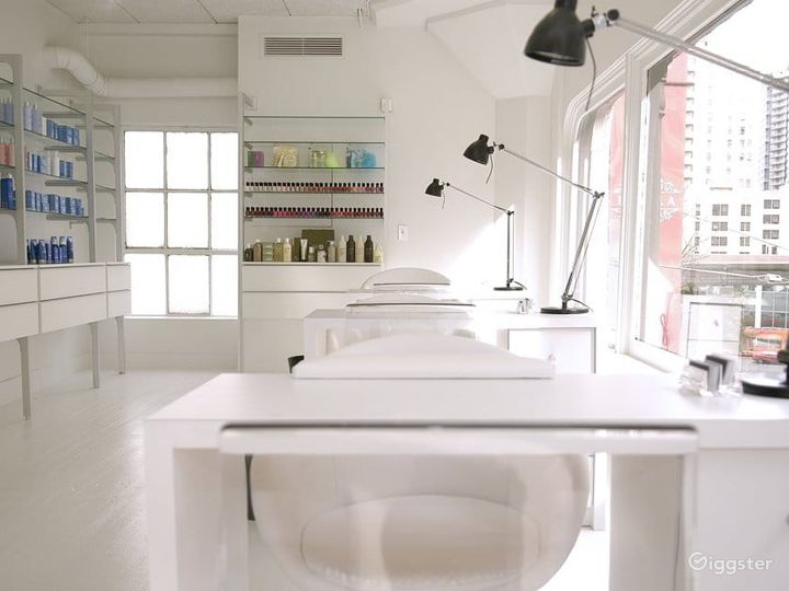 Pamper Yourself Space: Massage, Wax and Nail Spa Photo 2
