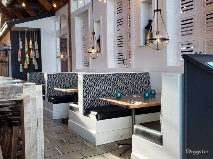 Restaurant with Trendy Seafood in Halifax Photo 5