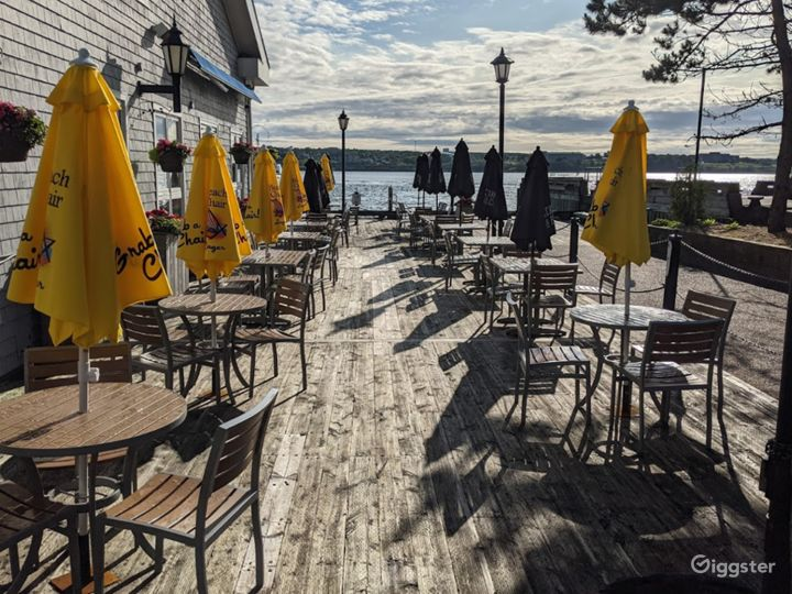 Restaurant with Trendy Seafood in Halifax Photo 4