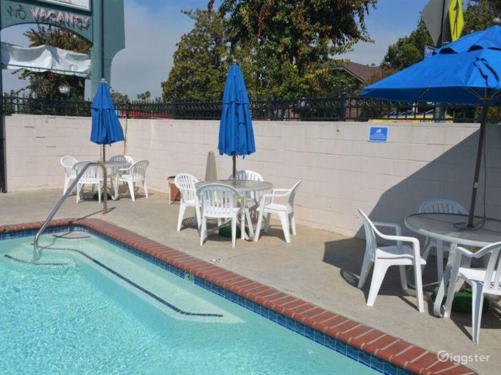 Hotel Swimming Pool  Photo 4