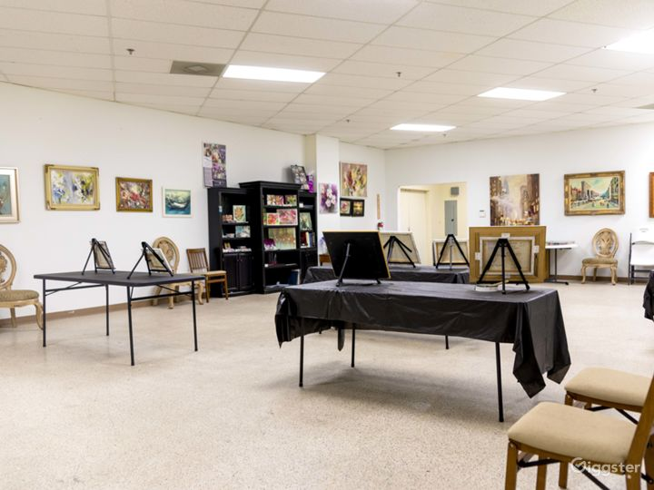 Art Studio Classroom Photo 2
