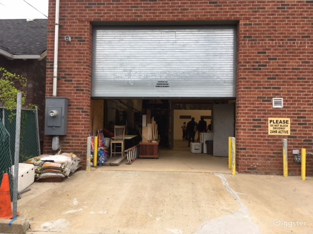 Large Warehouse Photo 2