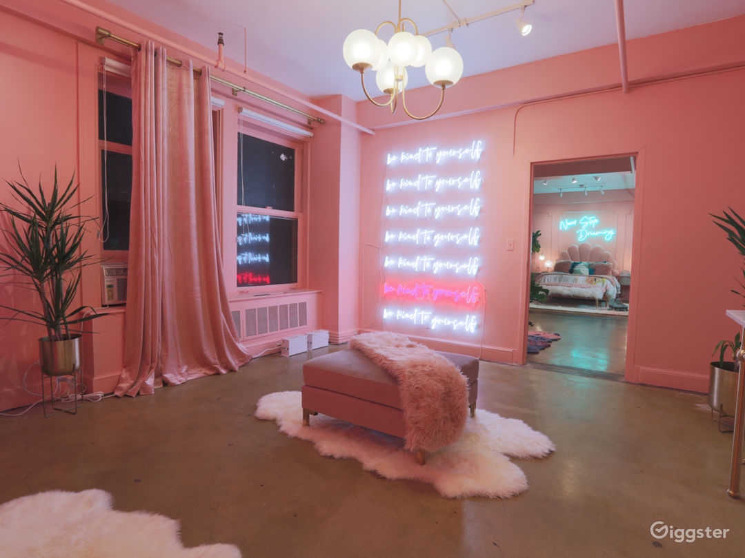 Downtown 80s Neon Pink Loft w/ Bed and Bathtub Photo 4
