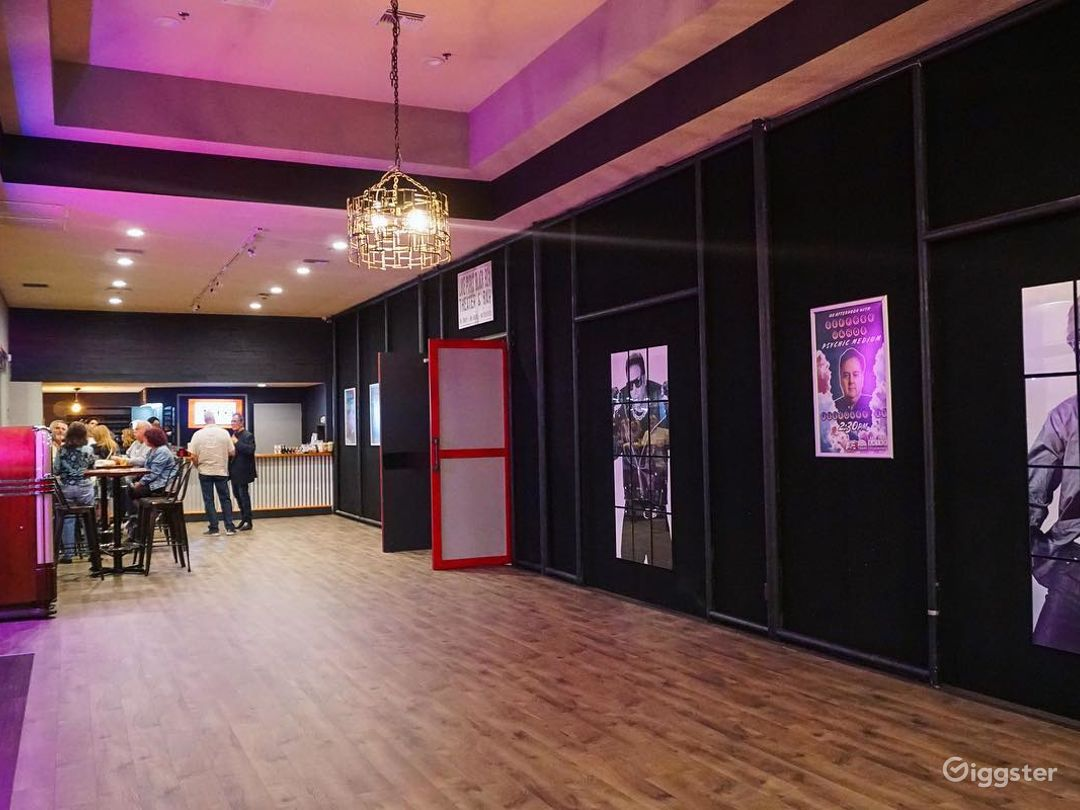 Spacious Event Lobby in Lake Park Photo 1