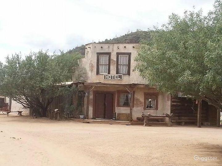 Wild West Hotel Photo 2