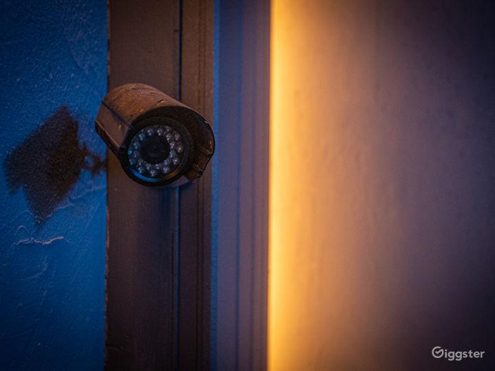 Grungy Interrogation Room | CreatorLA Photo 4
