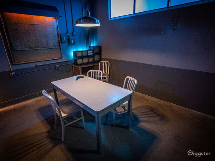 Grungy Interrogation Room | CreatorLA Photo 2