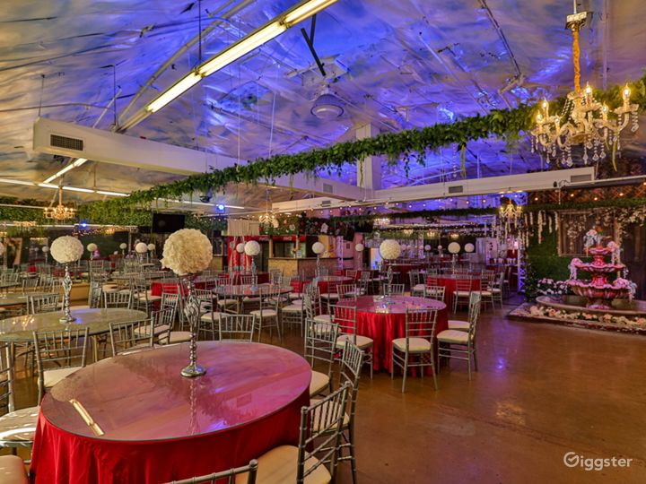 Spacious Venue with Technological Capabilities Photo 5