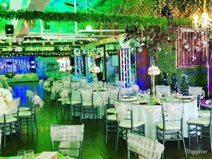 Spacious Venue with Technological Capabilities Photo 2