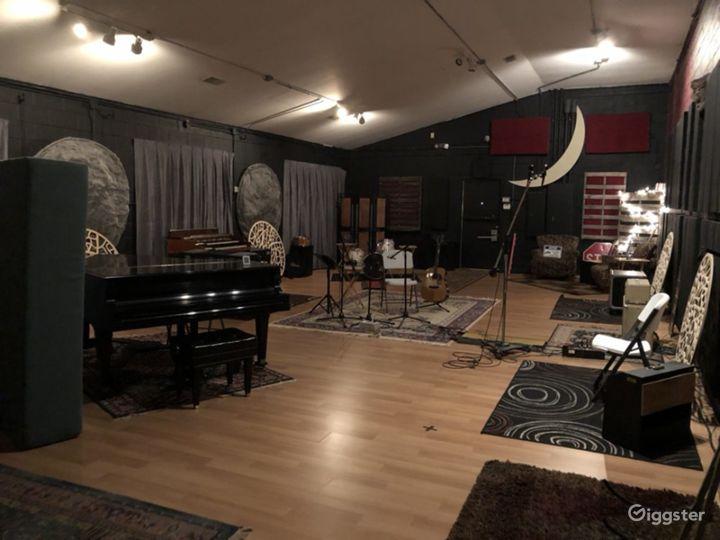 Spacious Studio in Nashville Photo 4