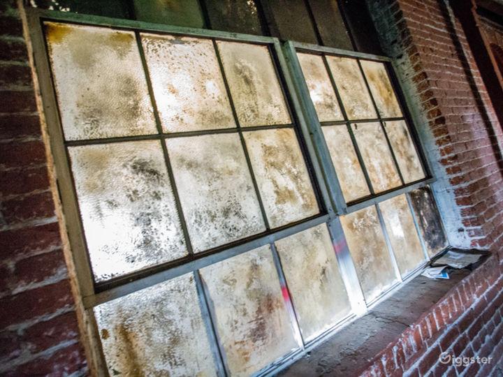 Gritty Open Warehouse   ParlorLA Photo 4