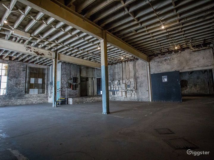 Gritty Open Warehouse   ParlorLA Photo 5
