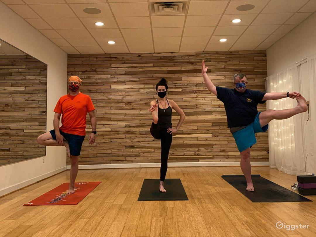 Clean, Cozy, and Warm Yoga Studio in Virginia Beach Photo 1