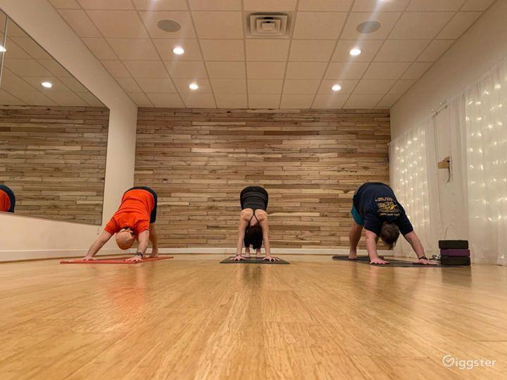 Clean, Cozy, and Warm Yoga Studio in Virginia Beach Photo 3